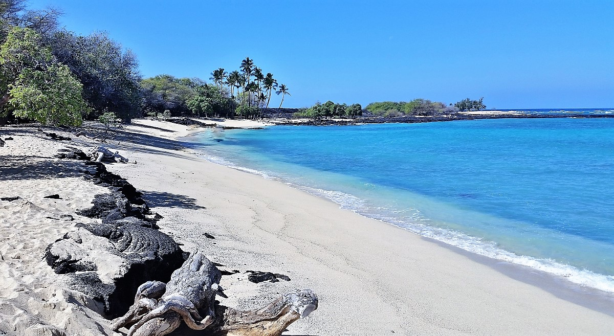 As of May 1, 2020, Beach Parks in Hawaii remain closed; other restrictions due to Covid-19