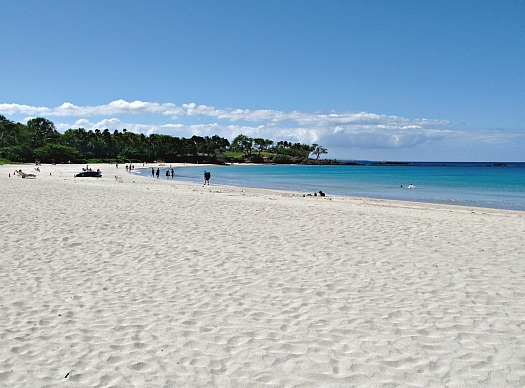 Soft white sand of Mauna Kea Beach, one of the more stunning Hawaii Big Island beaches