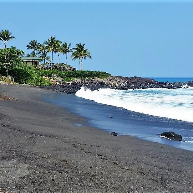 49 Black Sand Beach at Honoka'ope Bay