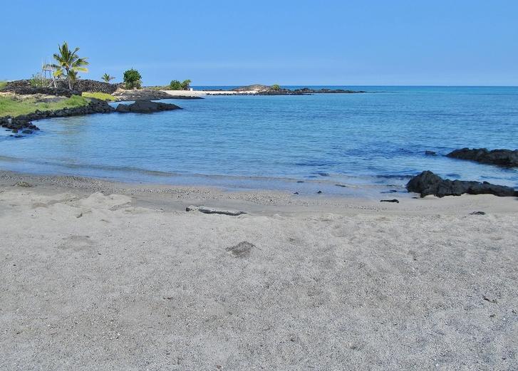 Ai'opio Beach Hawaii