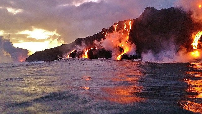 Kilauea lava flow ocean entry