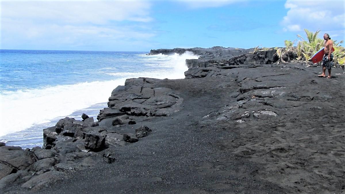 What remains of Kaimu Black Sand Beach