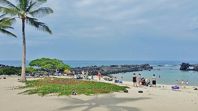 Family friendly Kikaua Beach