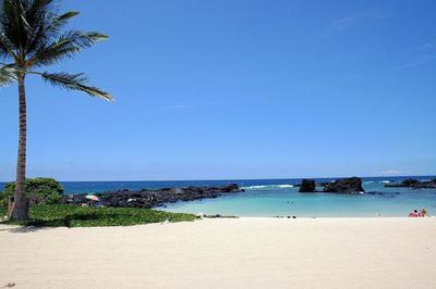 Kikaua Beach - smooth sand along a sheltered cove