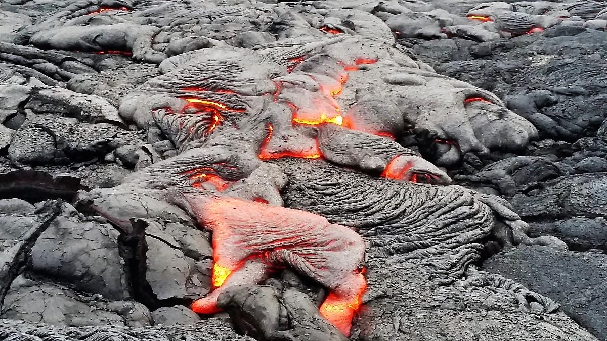 Pu'u 'O'o lava flow at Kamokuna
