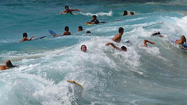 High surf at Magic Sands Beach