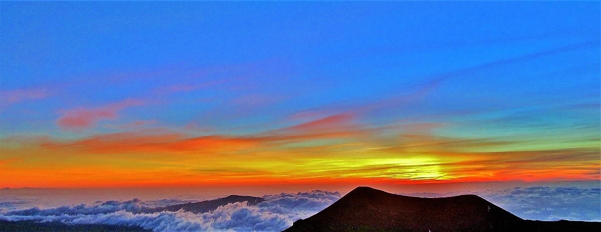 Mauna Kea volcano sunset