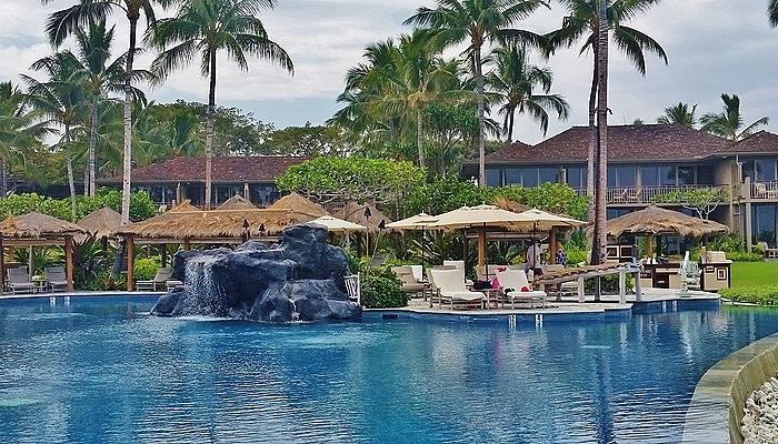 Seashell Pool at Four Seasons Resort