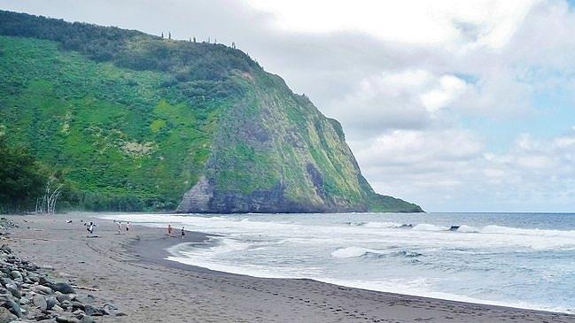 Waipi'o Valley beach