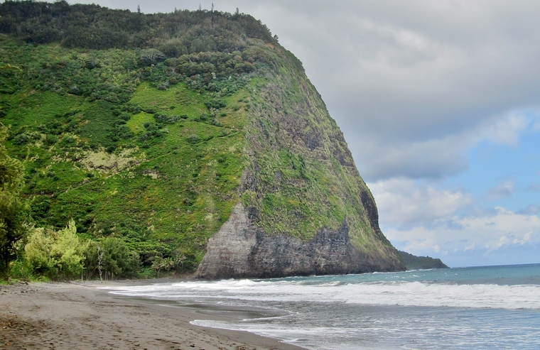 Waipi'o Valley Z trail