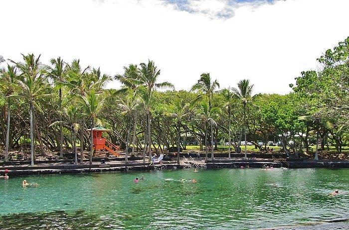 Ahalanui Beach Park