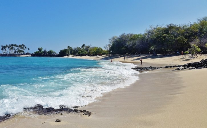 Mahai'ula Beach surf