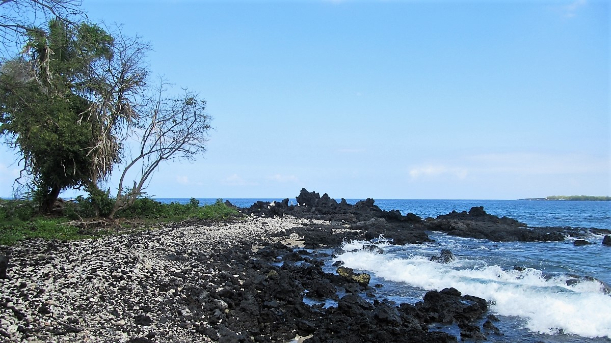 Manini Beach Park shoreline