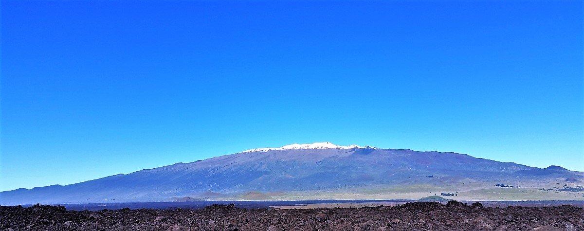 Mauna Kea Volcano, tallest mountain on Earth