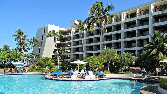 Mauna Lani Bay Hotel pool