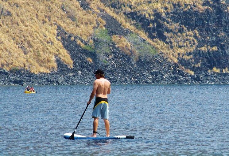 Stand up paddle boarding on Kealakekua Bay